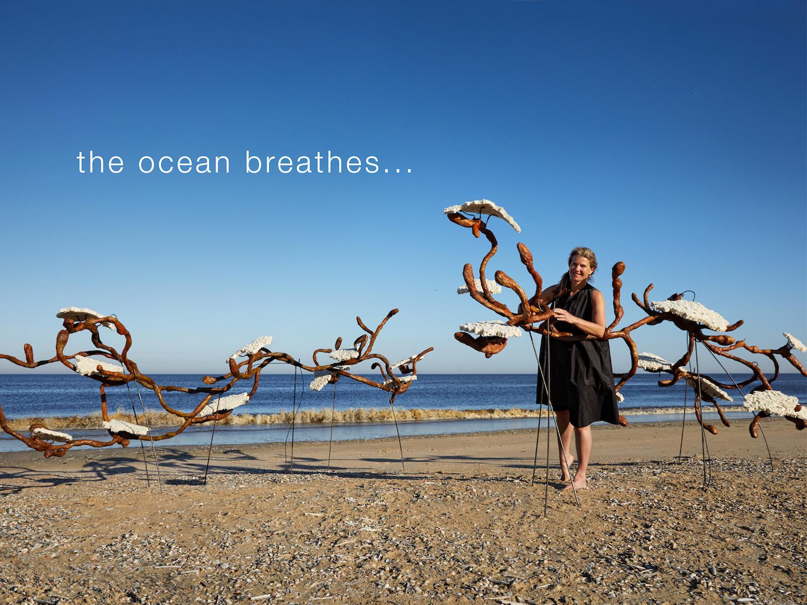 Portret Margot Berkman The Ocean Breathes Sealight
